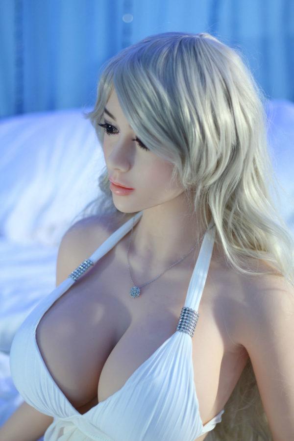 poupee sexuelle silicone celeste 18