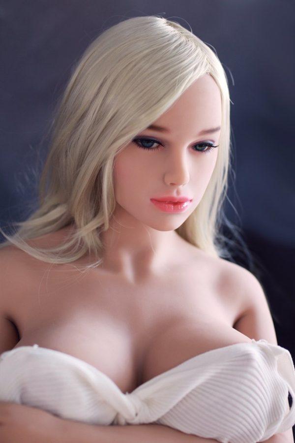 poupee sexuelle silicone gros seins britney 1