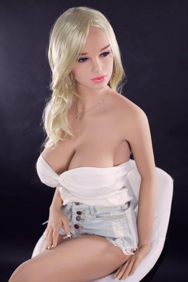 poupee sexuelle silicone gros seins britney 11
