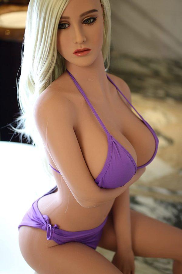 poupee sexuelle silicone gros seins brooke 2