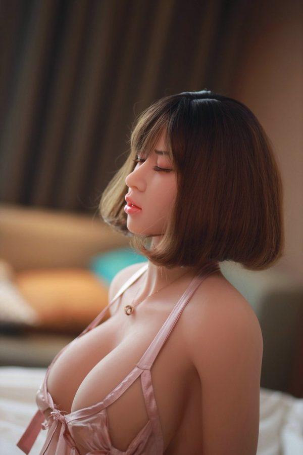poupee sexuelle silicone lei 11