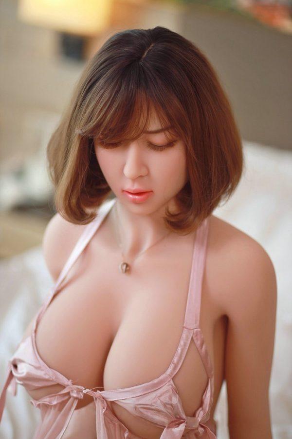 poupee sexuelle silicone lei 13