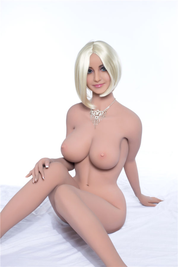poupee sexuelle silicone sexy lise 17