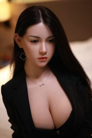 poupee sexuelle silicone asiatique joy 10
